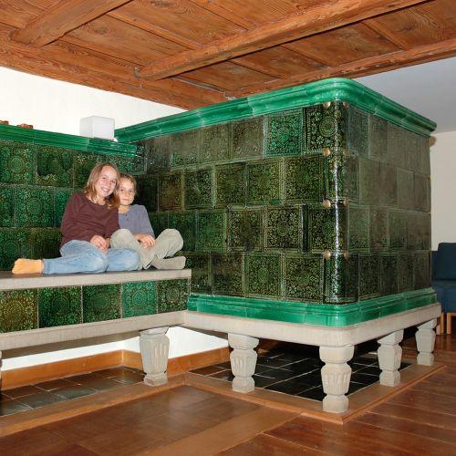kachelofen kaufen was man vor dem kauf wissen muss. Black Bedroom Furniture Sets. Home Design Ideas